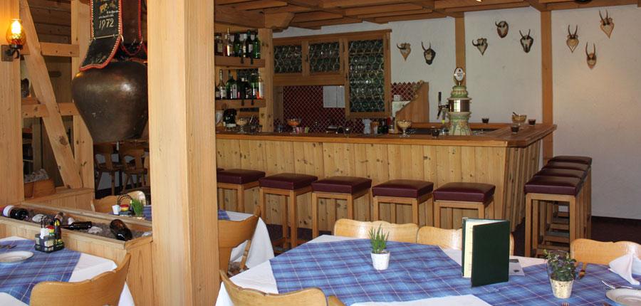 Hotel Jungfrau Lodge, Grindelwald, Bernese Oberland, Switzerland - restaurant and bar.jpg